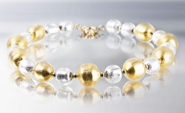 Collana realizzata con preziose perle veneziane